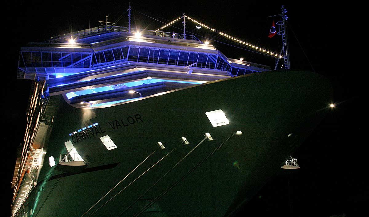 Cruiseship in harbor at night