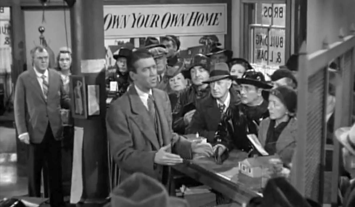 panic at the Building & Loan in It's a Wonderful Life