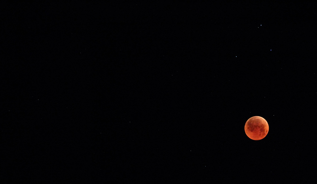 night sky, blood moon